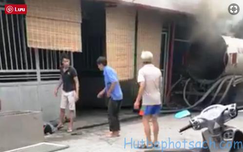 xe hút bồn bị nổ