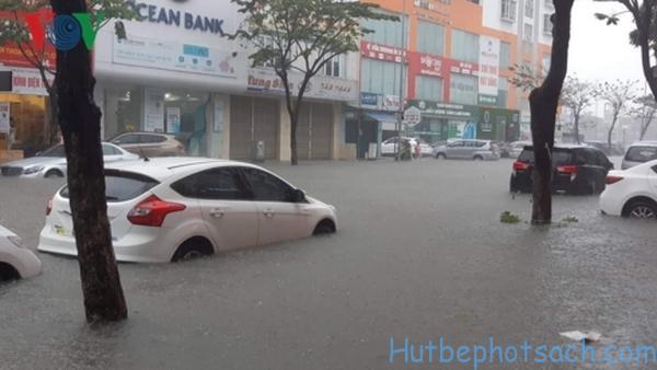 Hà Nội ngập lụt trong những ngày mưa bão