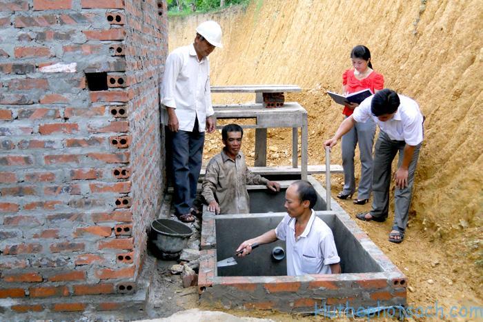 Xây dựng nhà vệ sinh
