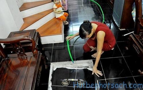 Làm sạch và bơm lại nước vào bể
