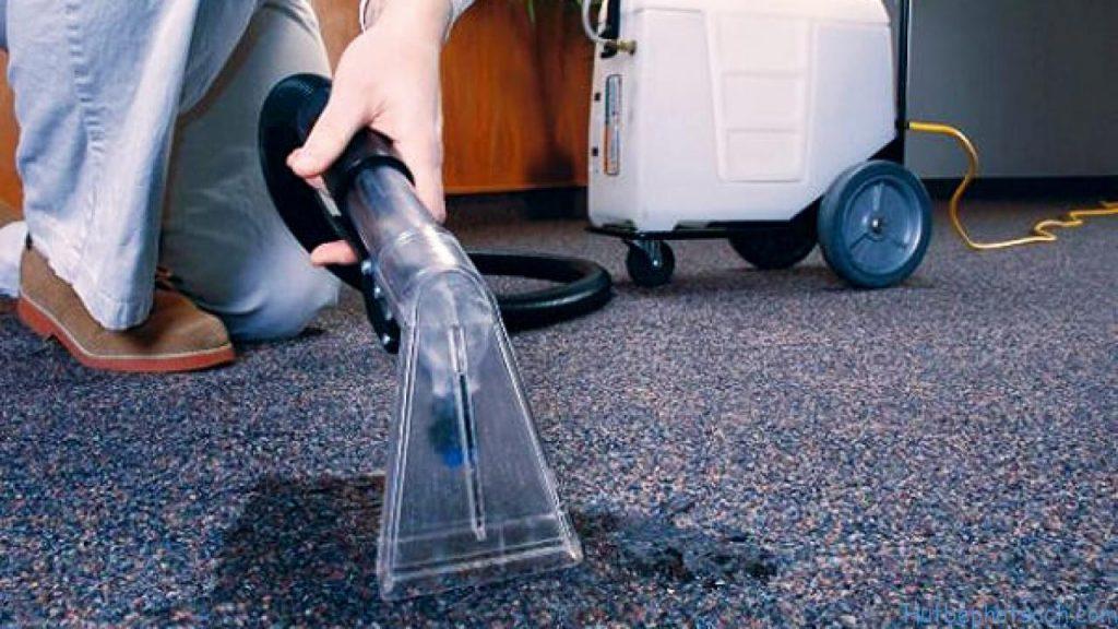 Vệ sinh thảm bằng máy hút bụi liệu có đủ sạch?